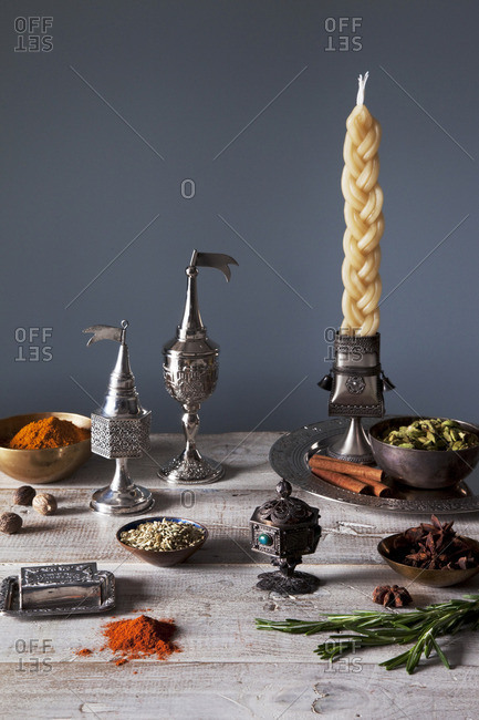 Braided candle and spices