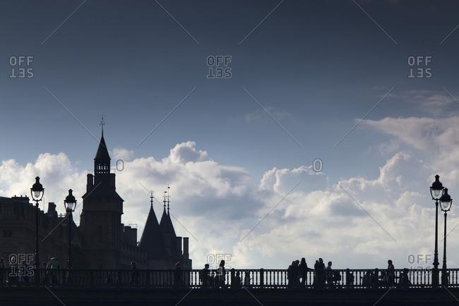 Silhouette of Pont au Change and La Conciergerie