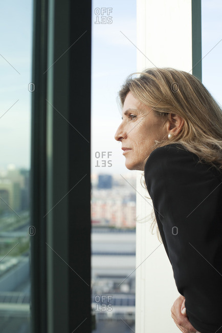 Woman looking at view - Offset