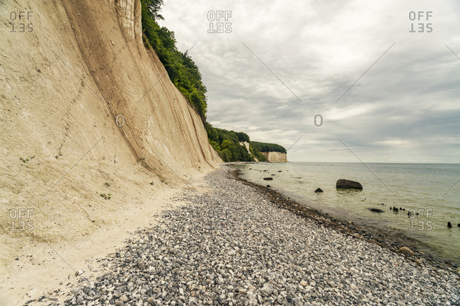 Germany- Mecklenburg-Western Pomerania- Ruegen- Baltic Sea- Sassnitz chalk coast- beach with stones