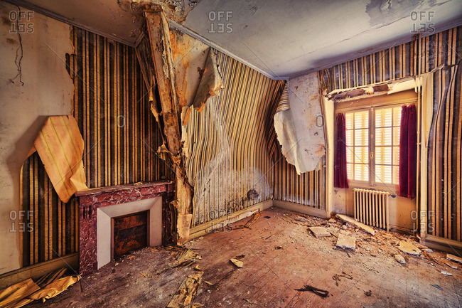 A room in an abandoned house