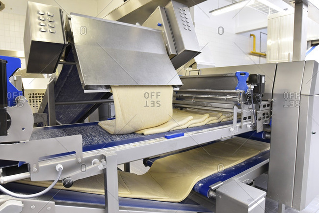Machine with dough in an industrial bakery