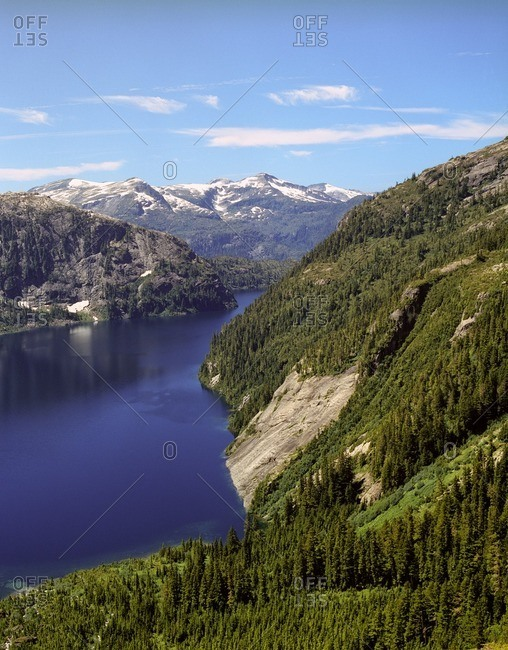 View of a lake between mountains in Canada