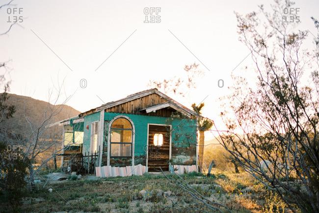 Abandoned house in Californian desert