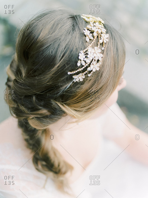 Bride wearing a tiara
