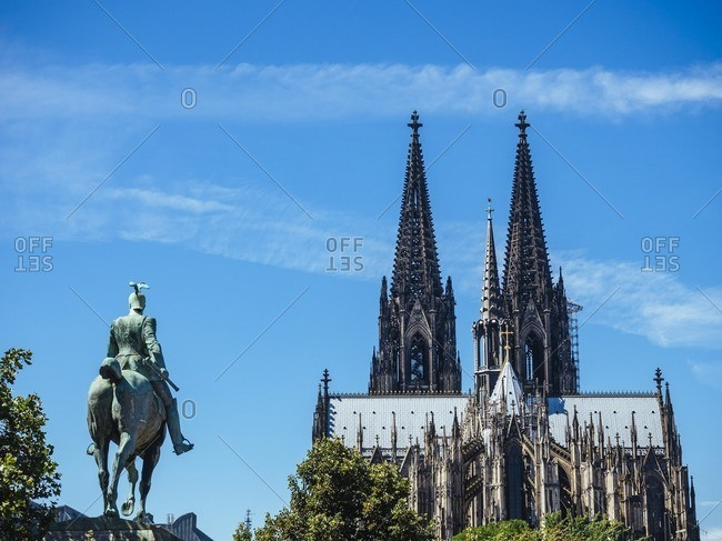 Germany Cologne view to equestrian sculpture of Wilhelm II and Cologne Cathedral