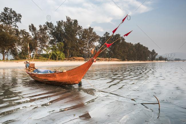 Fishing boat on Maungmagan Beach, Dawei, Tanintharyi Region, Myanmar (Burma), Asia