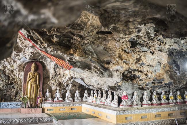 Buddha images in Kaw Ka Thawng Caves, Hpa An, Kayin State (Karen State), Myanmar (Burma), Asia