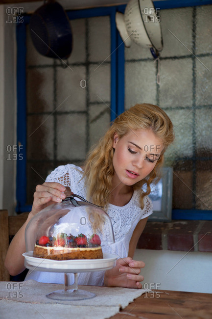 Girl with strawberry cake - Offset