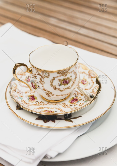 Tea cup with place setting