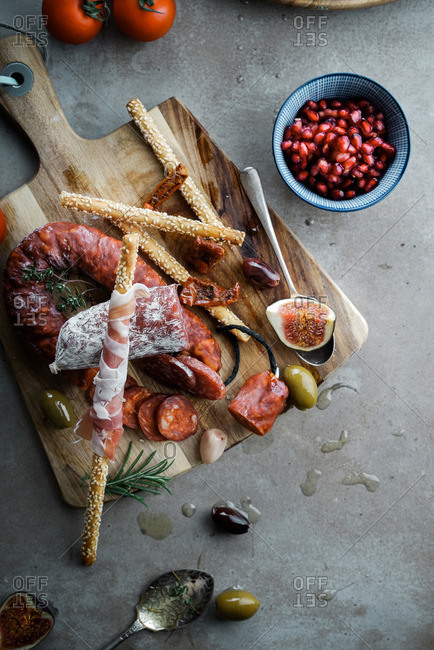 Antipasto appetizer with figs and olives