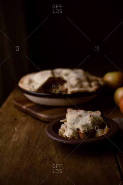 Serving a slice of apple pie