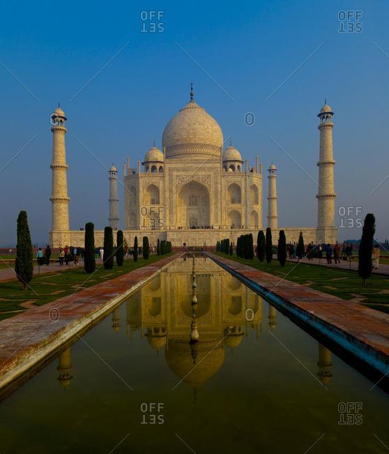 Pond reflection at Tajo Mahal