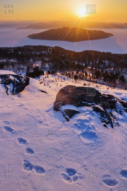 Animal tracks on Bihoro Pass and Lake Kussharo in winter