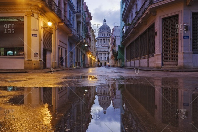 Puddle and Capitolo in Cuban city