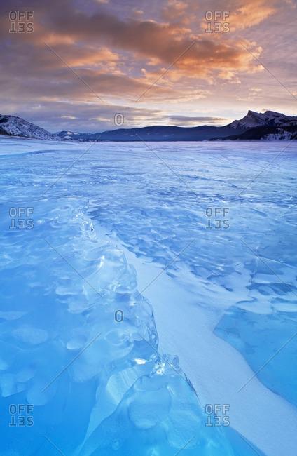 Abraham Lake in winter at Windy Point, Kootenay Plains, Bighorn Wildland, Alberta, Canada