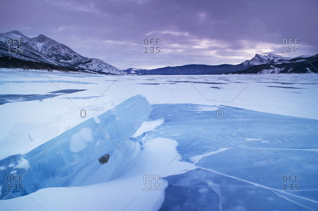 Abraham Lake in winter, Kootenay Plains, Bighorn Wildland, Alberta, Canada