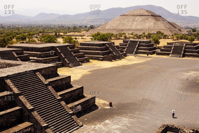 Avenue of the dead at the Teotihuac�n pyramids in San Juan Teotihuacan de Arista, Mexico