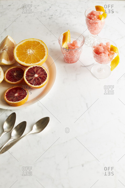 Frozen citrus desserts with fruit