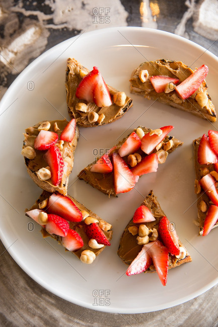 Peanut butter and strawberry appetizers