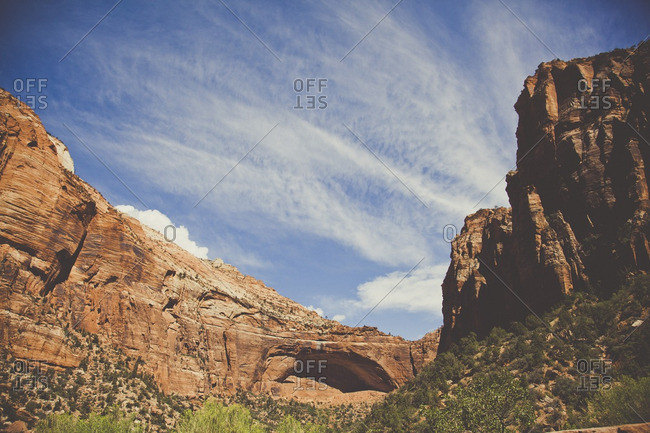 Scenic view of canyon through the red rocks of cliff and mountains