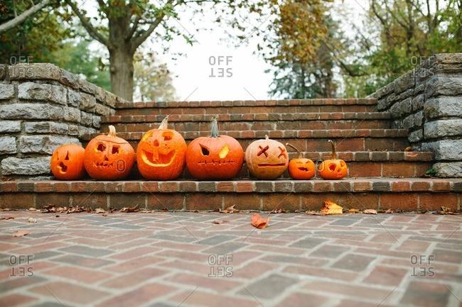Jack-o-lanterns in a row