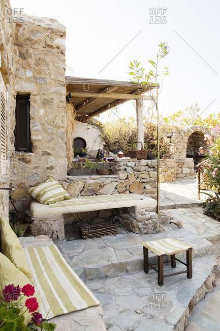 Garden with stone patio