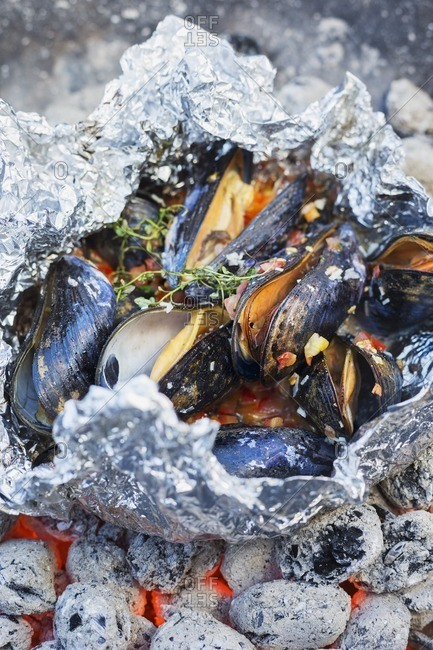 Mussels over charcoal - Offset Collection