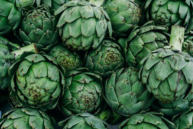 Whole artichokes in pile
