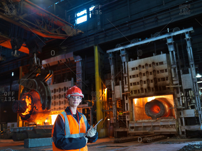 Engineer & Hot Steel In Forging Machine