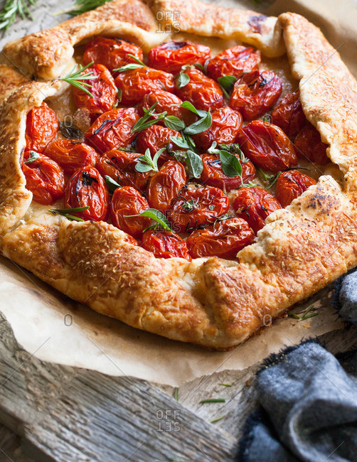 Galette with tomatoes and herbs