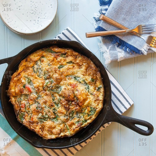 Spinach and pepper frittata iron skillet