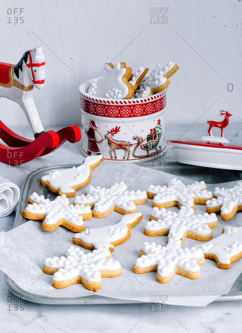 Decorated Christmas cookies and cookie jar