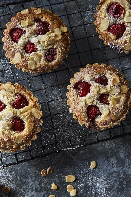 Tarts with almonds and raspberries