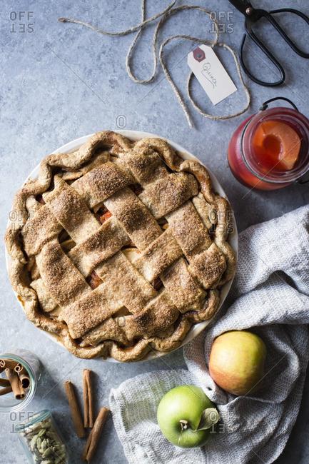 Apple and quince lattice pie