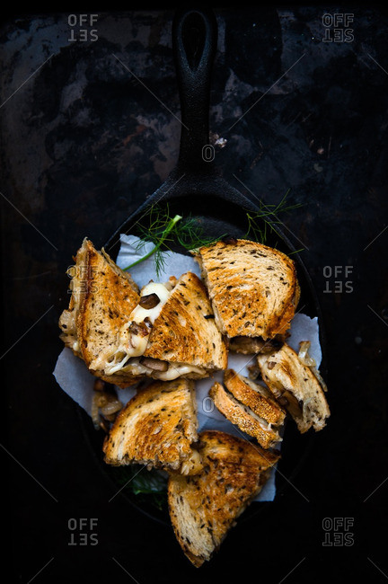 Grilled cheese sandwiches with mushrooms