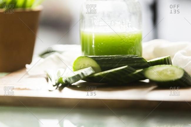Herbal sunburn treatment of cucumber and aloe juice