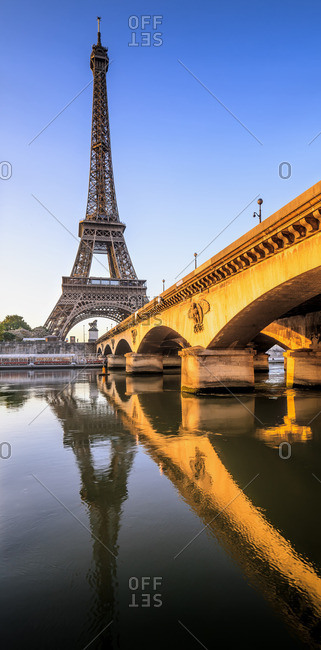 The river Seine and Eiffel Tower at sunrise