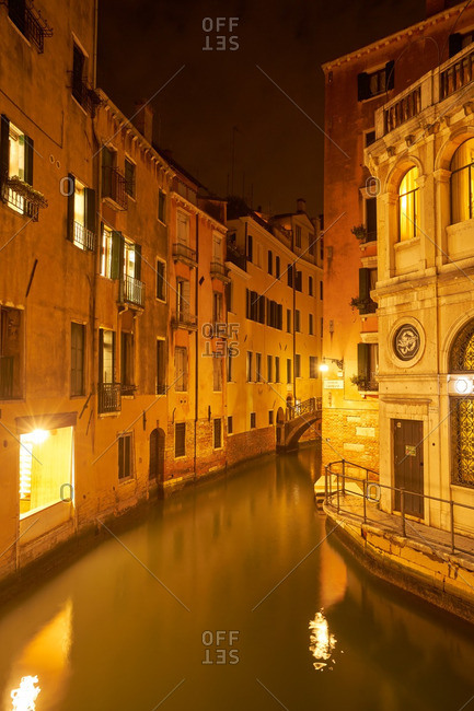 Venice canal at night - Offset
