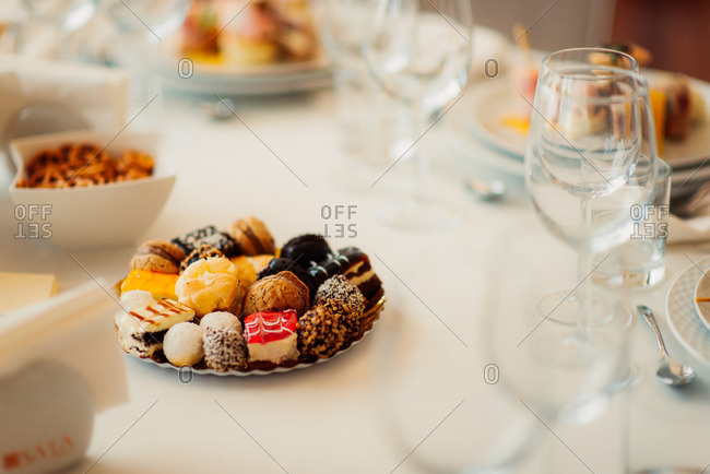 Desserts in center of wedding table