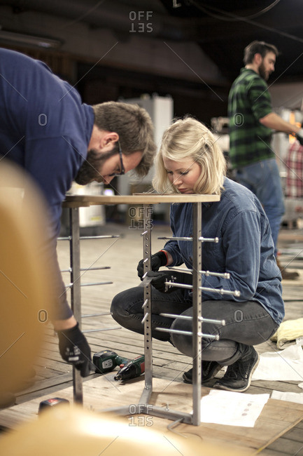 Glass makers building a frame