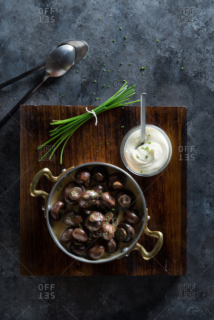 Herbed Mushrooms with Cream Sauce