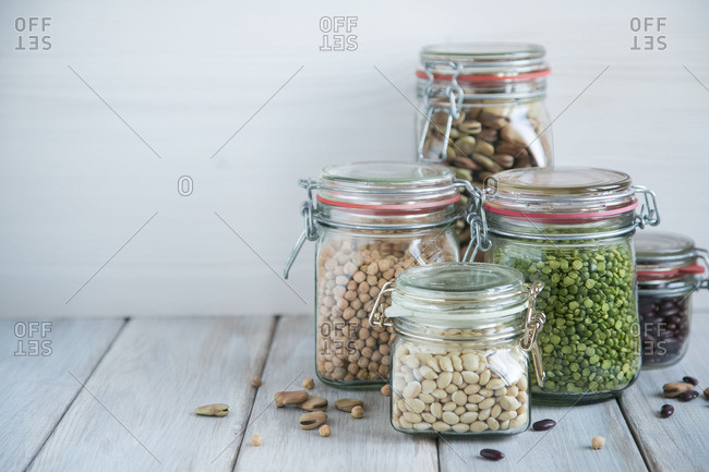 Legumes in sealable jars