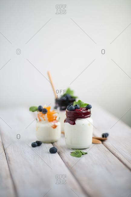 Yogurt with fruit toppings