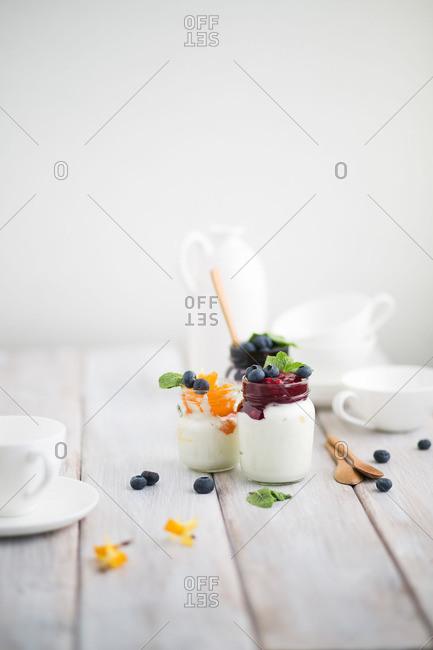 Yogurt with fruit topping