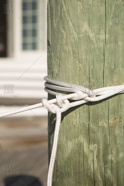 Sailing rope knotted to pole