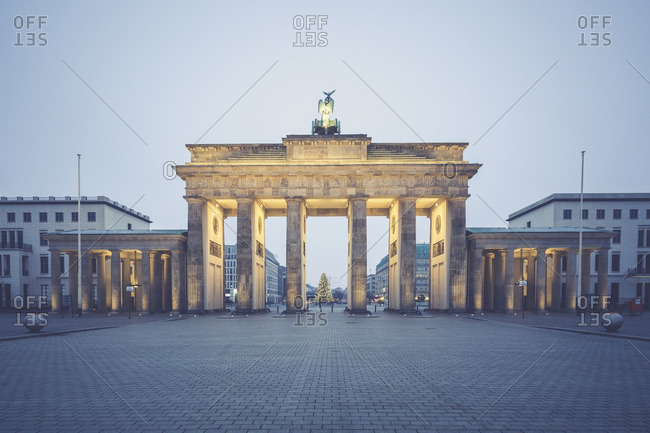 Germany- Berlin- Brandenburg Gate- Place of March 18 at Christmas time