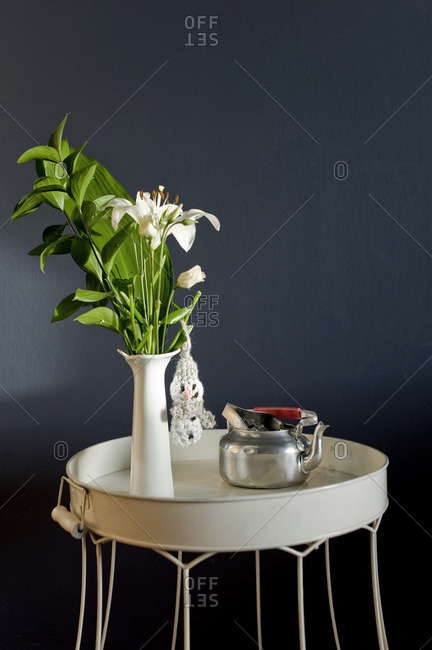 Upcycling of lampshade as side table