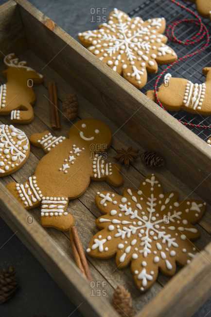 Fresh baked gingerbread cookies in a wooden box