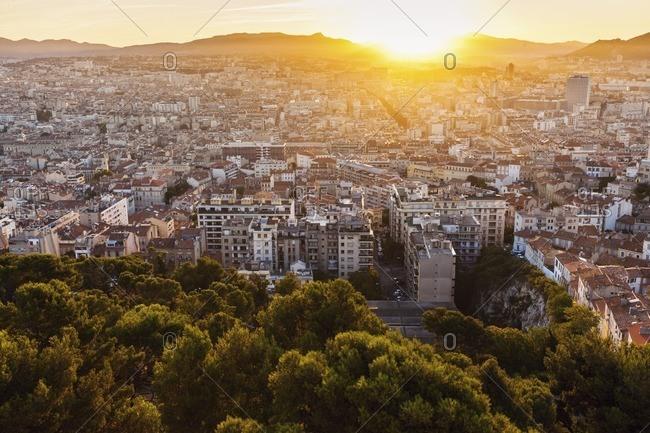 France, Provence-Alpes-Cote d'Azur, Marseille, Cityscape at dusk